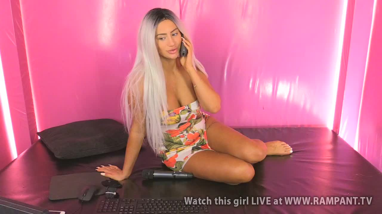 Bella - Babestation Daytime(23 September 2018)
